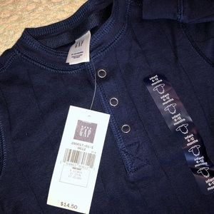 NWT baby Gap navy blue onesie sz 6-12 mo